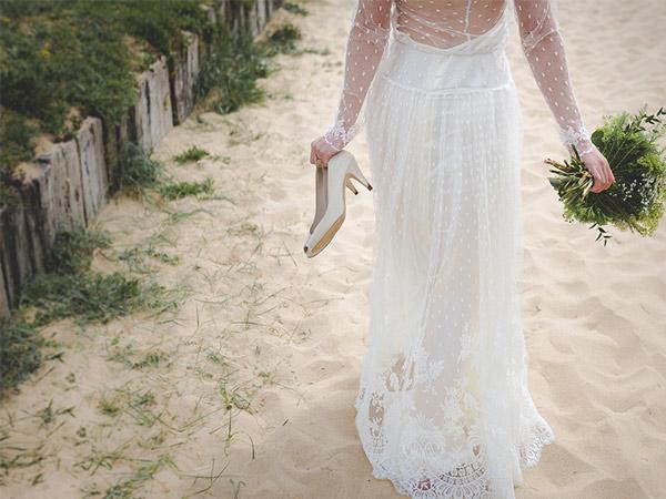 Robe de mariée sur la plage